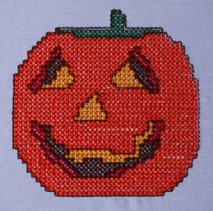 stickdatei_halloween_kuerbis_detail_by-myneedleworks